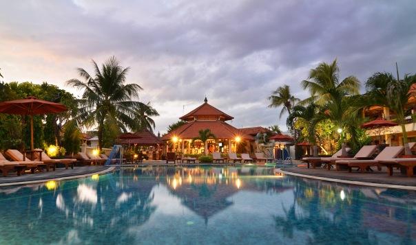Sol House Kuta Bali - Piscina em Kuta Beach Club/Divulgação