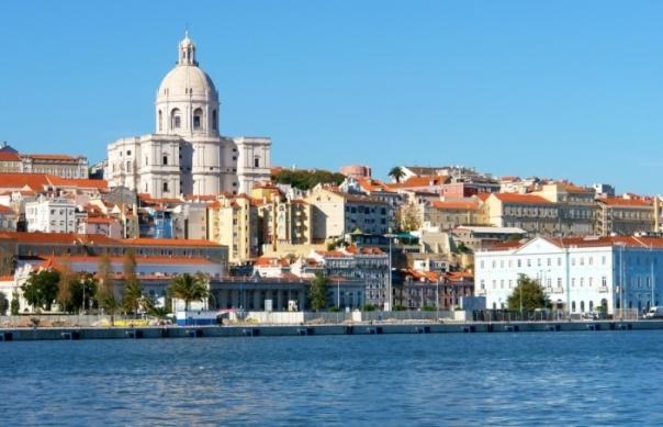 Lisboa receberá segundo voo diário da Emirates em 1º de janeiro de 2016