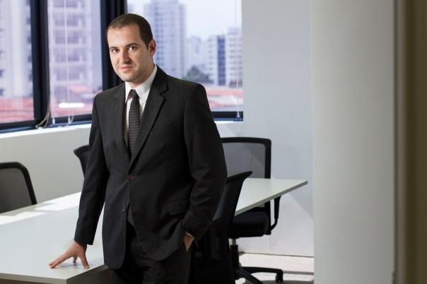 Retratos da diretoria e gerencia da empresa Argo ITPersonagens: Diretores e Gerentes da Argo ITTags: janela, cadeira, sala reuniao