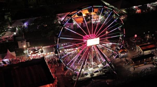 Roda gigante esteve na edição de 2014 do Lollapalooza e até 18/10 fica no estacionamento do Shopping Tamboré  Divulgação