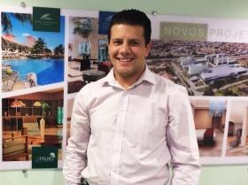 Os jovens profissionais Dario Neves e Icaro Chamon destacam-se por rápida ascensão no mercado hoteleiro
