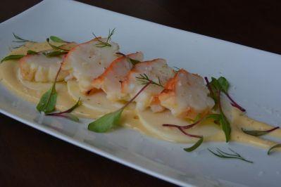 Carpaccio de lagosta defumada com palmito de morretes e maionese cítrica