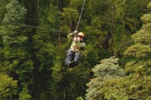 São três opções de tirolesa na Reserva, passando pela infantil até a mais radical, de 90 metros de altura