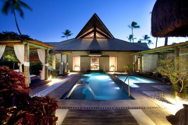 Spas são bem equipados, com sauna, jacuzzi, piscinas climatizadas e salas aconchegantes para a realização dos tratamentos