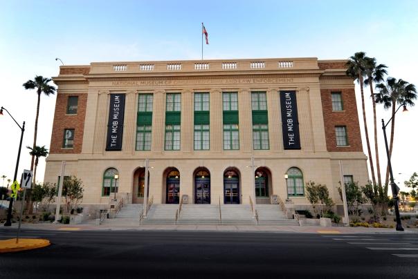 O The Mob Museum, em Las Vegas, terá mapas e audioguias em português para os visitantes que quiserem conhecer mais sobre a coleção do museu, que relembra a história da máfia na cidade