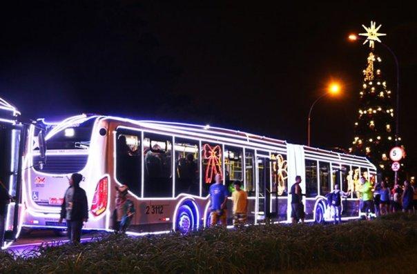 Ônibus iluminado - Divulgação São Paulo Turismo (SPTuris)